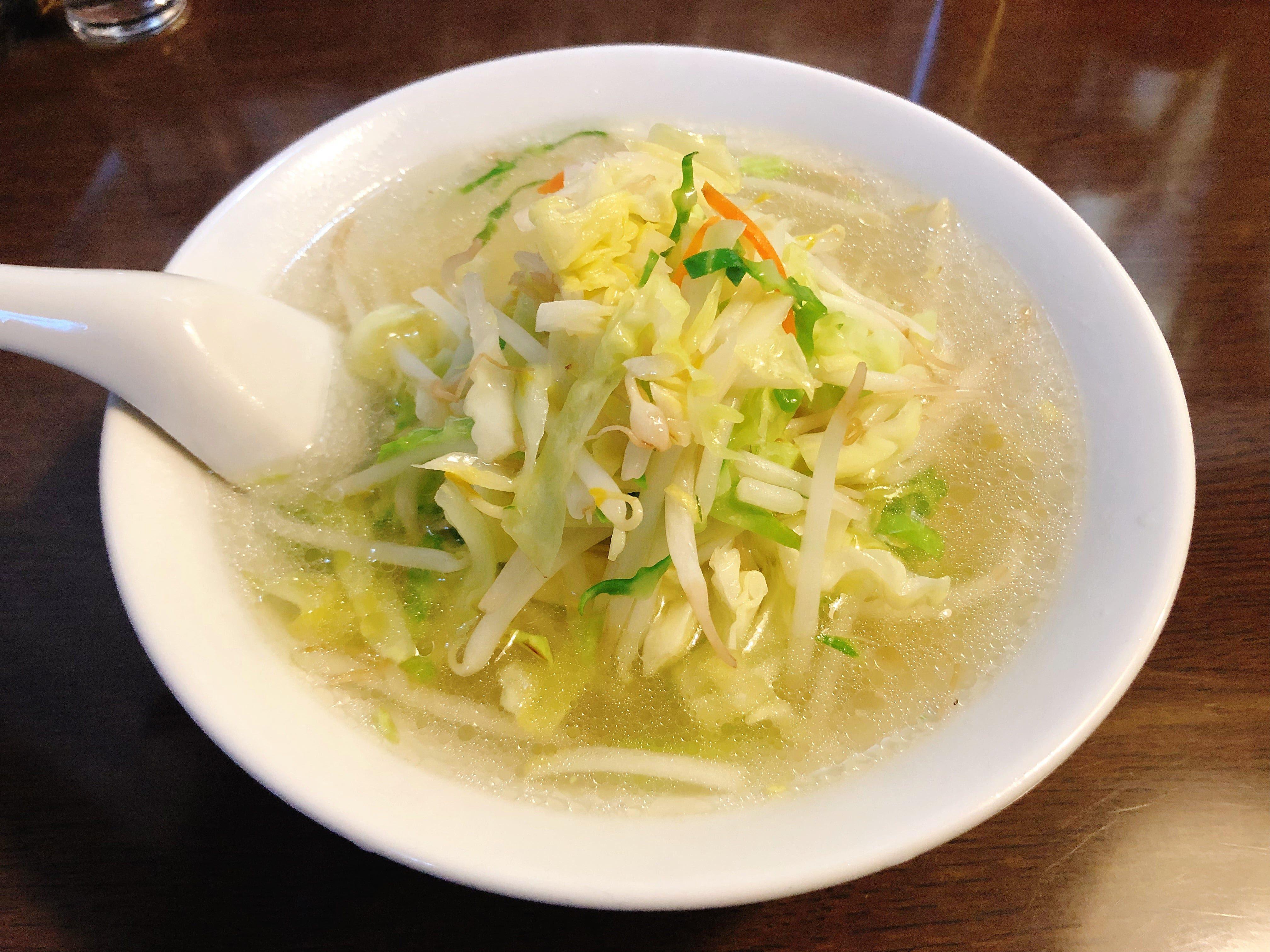美しく透き通る奥深いスープに絶妙な火加減によって仕上がる シャキシャキの新鮮な野菜を乗せた日本最強の『タンメン』@はつね【西荻窪】