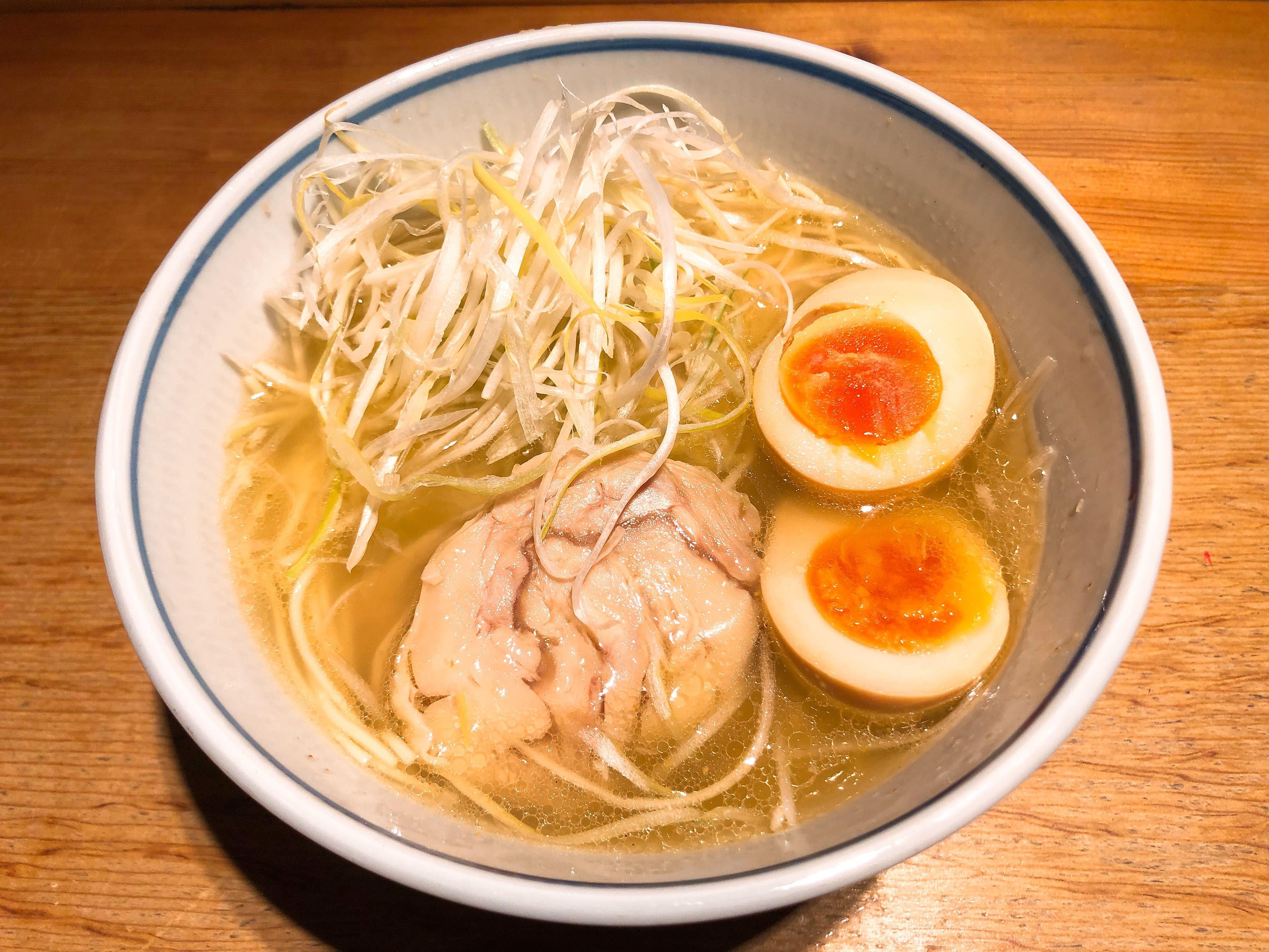 京都の老舗お蕎麦屋さんが作り出す超あっさり塩ラーメン『あっさり鶏そば』@そば処 為治郎【東京】